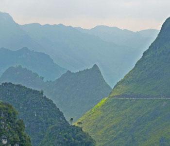 Vietnam : Ethnies, Rizières et Baie d'Halong