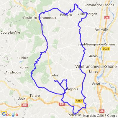 Beaujolais du Sud : entre routes de montagne et plateaux de vignoble