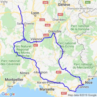 Roannais vers la Cote d'Azur par la route Napoléon puis retour par les Gorges de l'Ardèche