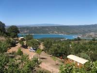 Petite pause avec vue sur le lac de la Croix