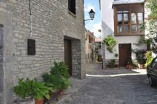 village de Larrés