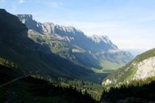 Sur la route (est -> ouest) menant au col de Klausen (Suisse)