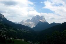Avant Colle Sta Lucia (Dolomites, Italie)
