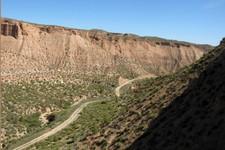 Dans un canyon du désert de Gorafe, Andalousie