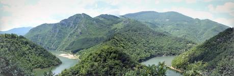 des gorges en Bulgarie pret de Devin