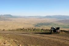Descente du plateau ouest du volcan du Nemrut, lac de Van (Turquie)