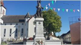 """Petit village de """"Barcus"""" dans le Pays Basque"""