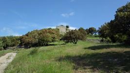 Montée (à pied) vers le château de Termes.