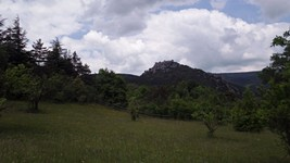 Le château de Puilaurens depuis la D22.