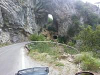 Tunnel, je suis passé par celui du dessous hi hi.
