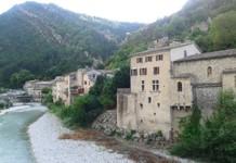 Pontaix au bord de la Drôme