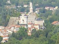 La statue et la basilique St-Joseph au Puy-en-Velay
