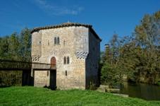 Moulin fortifié de Bagas