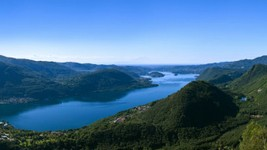 Lac d'Orta, la vue depuis Belvedere di Quarna Sopra et sa montée légendaire... A 15 min du point d'arrivée, à réserver pour le lendemain matin...