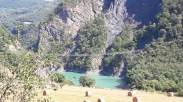 Lac de Monteynard la passerelle
