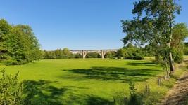 Ancien pont ferroviaire à Renève