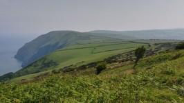 les falaises de la côte nord du Devon