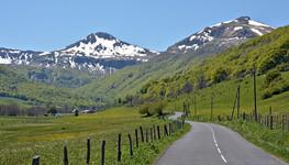 Fond de la vallée de Cheylade Dpt Cantal