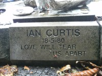 Hommage Ian Curtis a Macclesfield