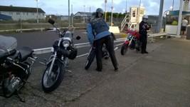 motos sur sol anglais