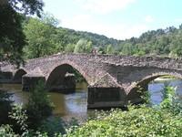 Vieux pont de Menat sur la Sioule