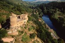 Château D'Ebreuil et la Sioule