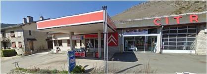 Station Esso à Meyrueis