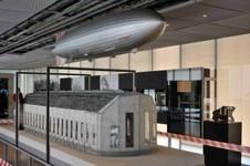 Le Zeppelin à l'échelle
